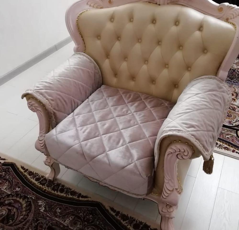 Накидки и чехлы на диваны и кресла