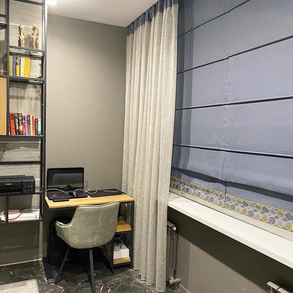 Спальня для подростка в современном стиле – металл и стекло выглядят стильно и благородно, фактурный текстиль добавляет уют и комфорт. Такой интерьер должен понравиться не только родителям, но и детям.