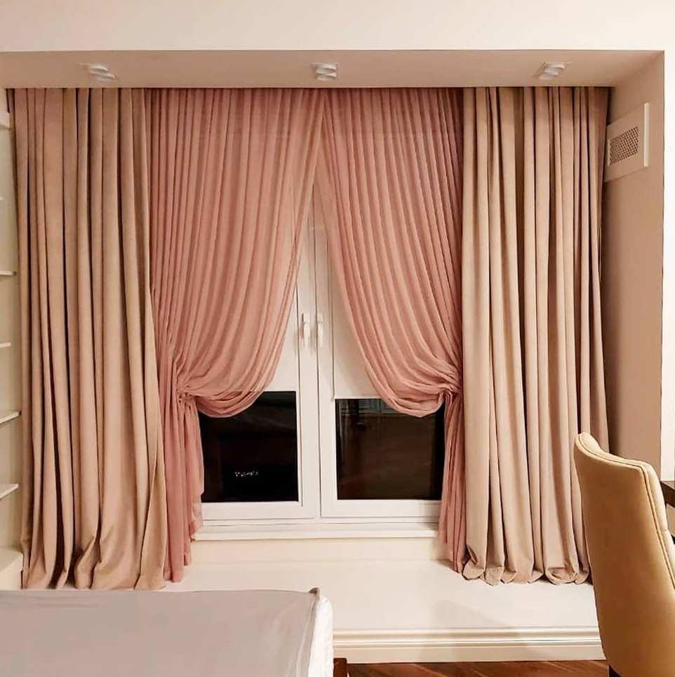 Оформление окна в спальне. Современная классика.