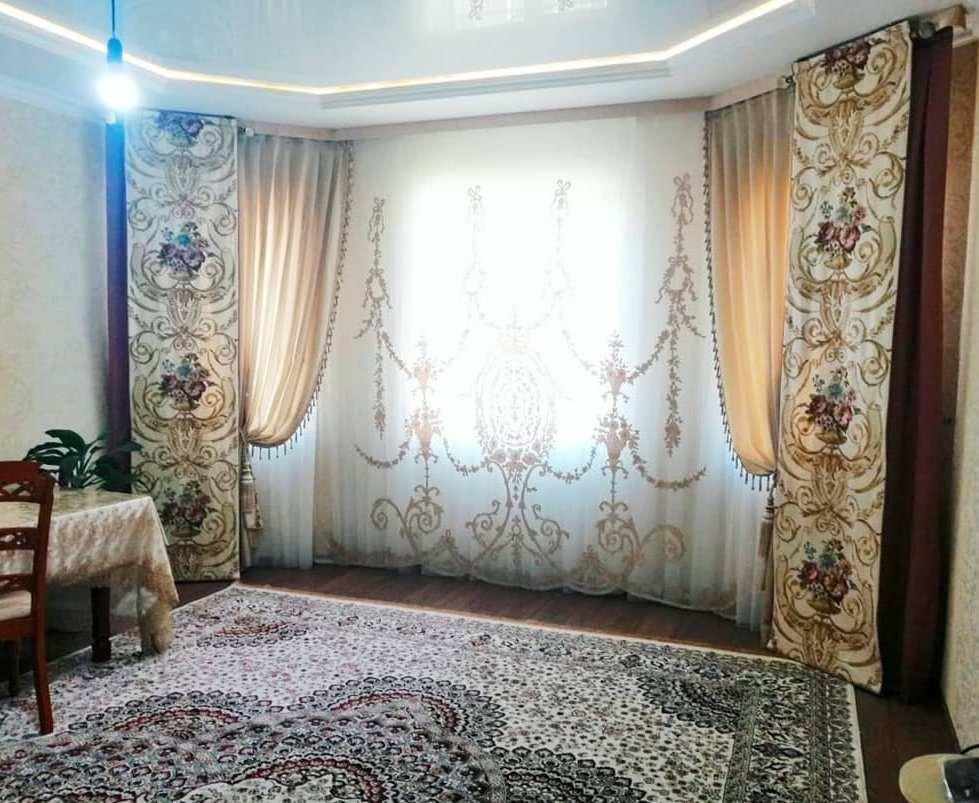 Смелое и оригинальное решение в дизайне штор для гостинной