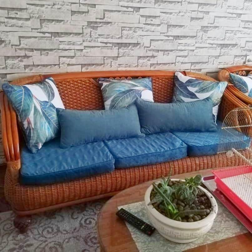 Оформление плетёной мебели, пошив чехлов и подушек - мы можем предложить вам в нашем салоне.