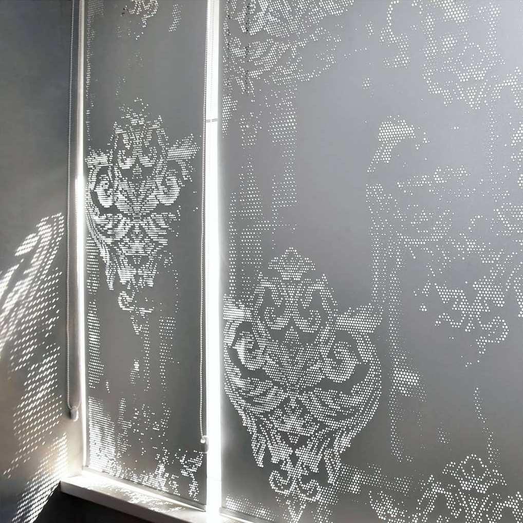 Перфорация с эффектом патины. Мы воплотим любую идею, создадим незабываемый декор для вашего окна!