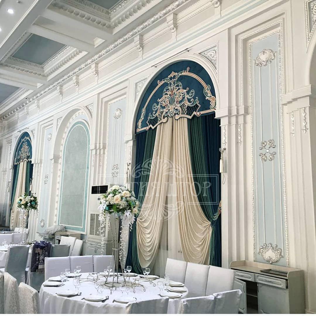 Изысканные ламбрекены - шикарная изюминка, в интерьере ресторанного комплекса Grand Holiday Hall
